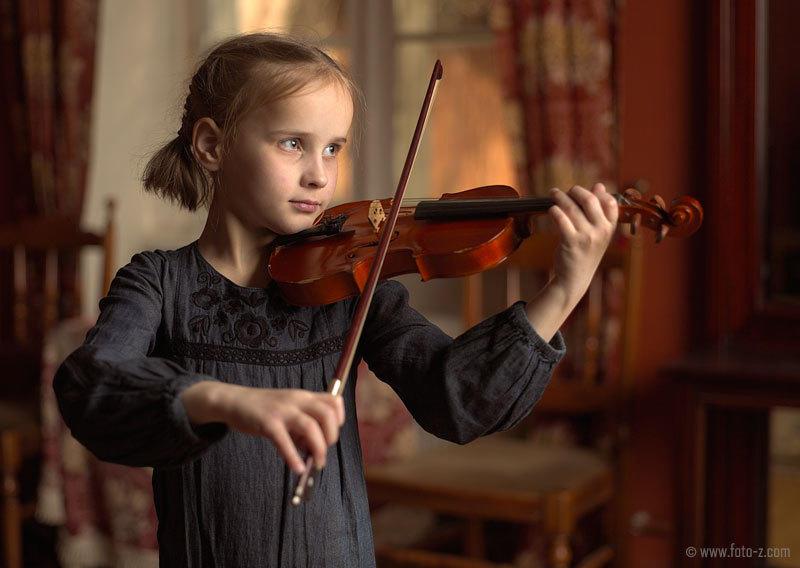 Μικρή βιολονίστρια